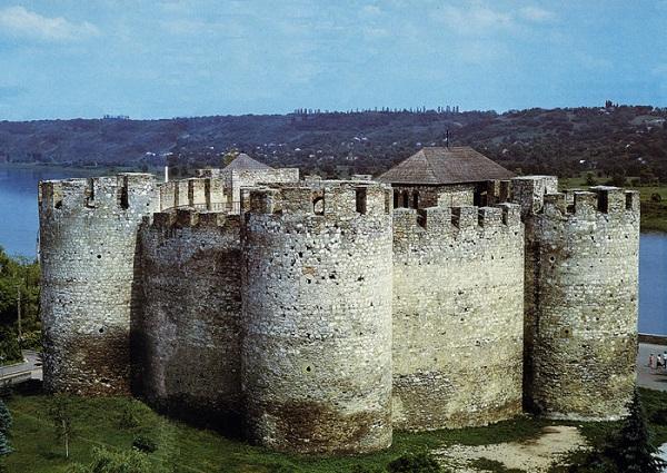 Крепость 15-го века в городе Сороки.